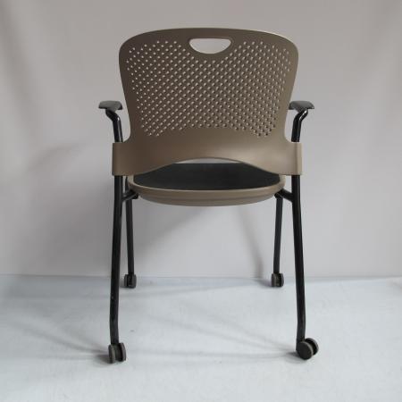 Herman Miller Caper Chair stapelstoel